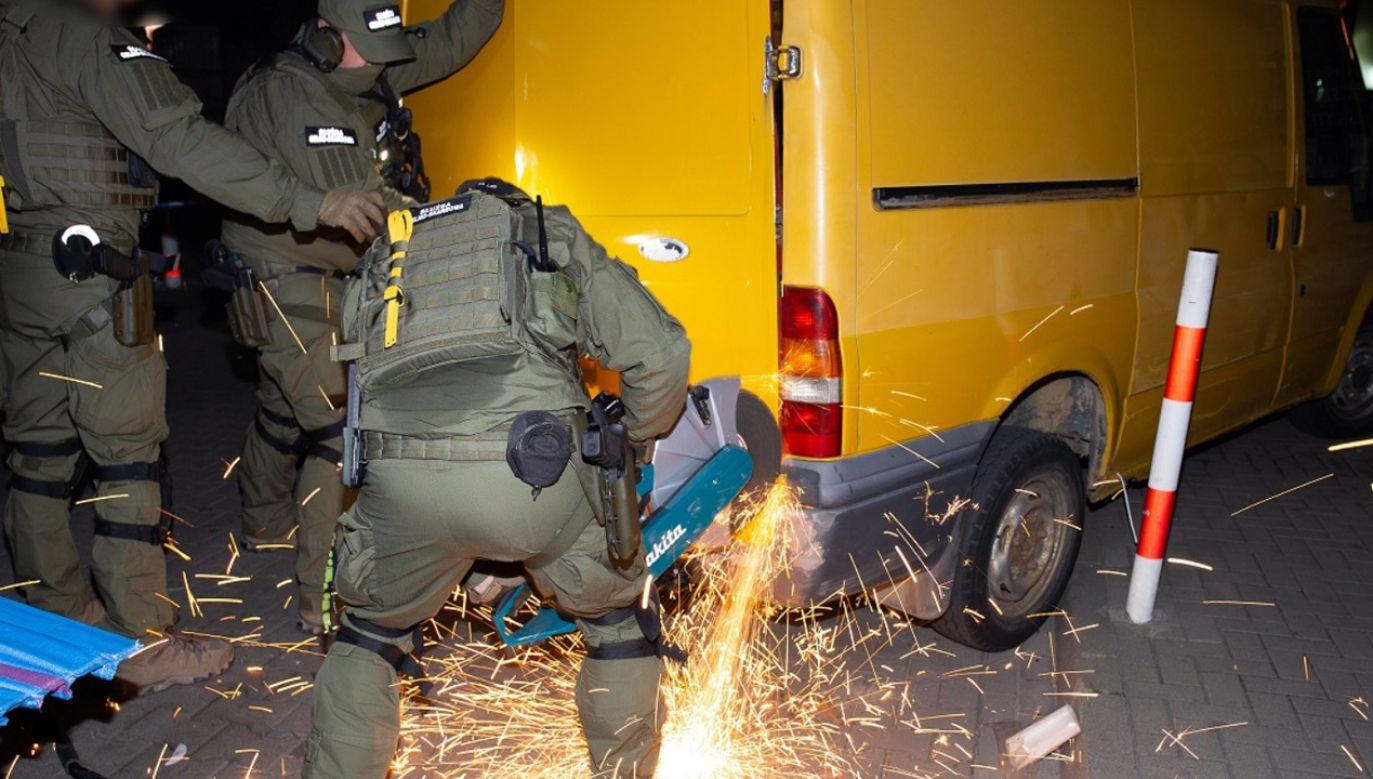 Wszczęto 14 spraw karnych i zatrzymano cztery osoby (fot. Izba Administracji Skarbowej w Warszawie)