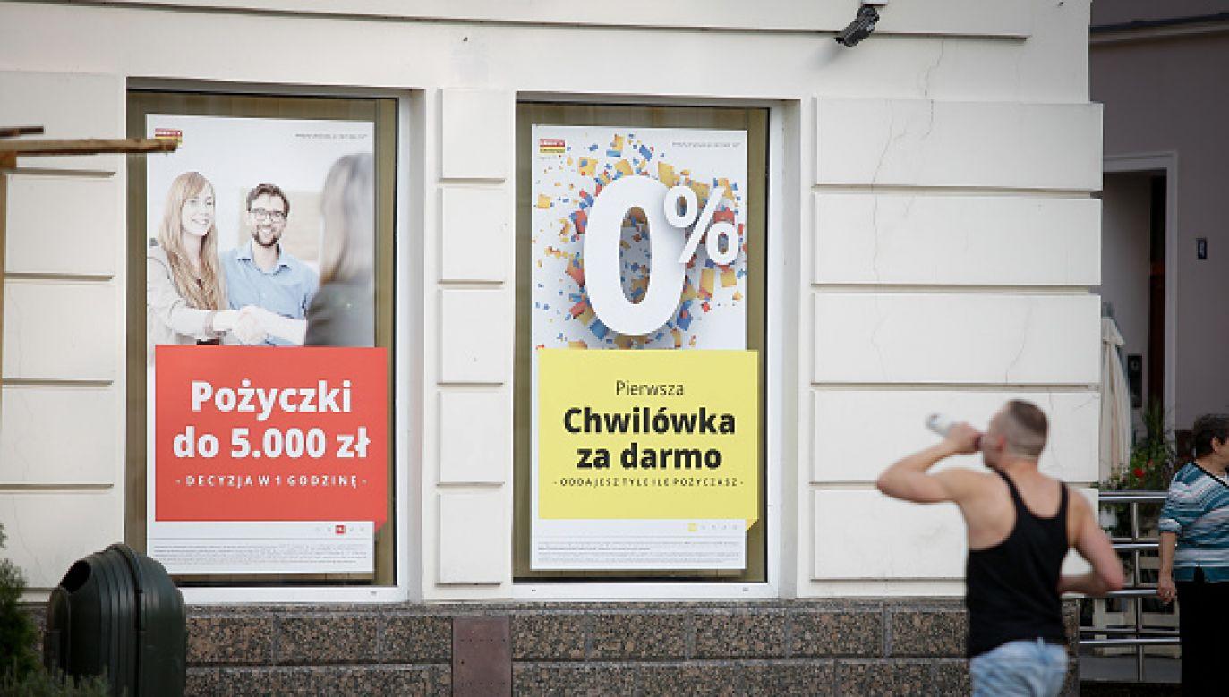 Rekordzistą jest 67-letni mieszkaniec Mazowsza z długiem około 104 mln zł (fot. Jaap Arriens/NurPhoto via Getty Images)