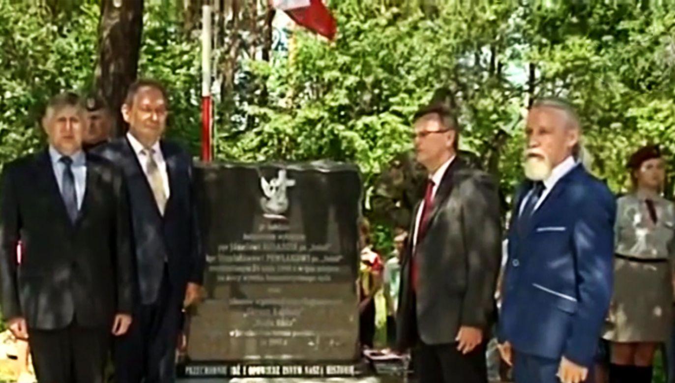 Pomnik ku pamięci zamordowanych Żołnierzy Wyklętych (fot. TVP3 Poznań)