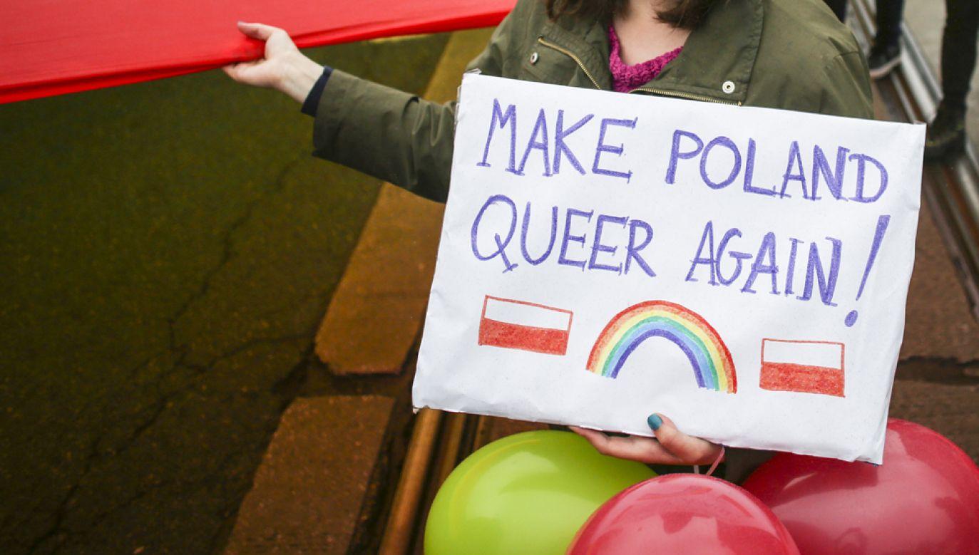 W poniedziałek o godz. 16.00 przed warszawskim ratuszem rozpocznie się protest rodziców i organizacji prorodzinnych przeciwko warszawskiej deklaracji LGBT (fot. Beata Zawrzel/NurPhoto via Getty Images)