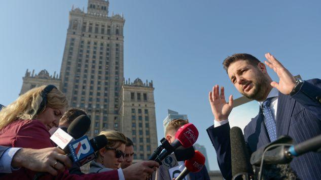 Patryk Jaki podczas kampanii wyborczej (fot. arch.PAP/Jakub Kamiński)