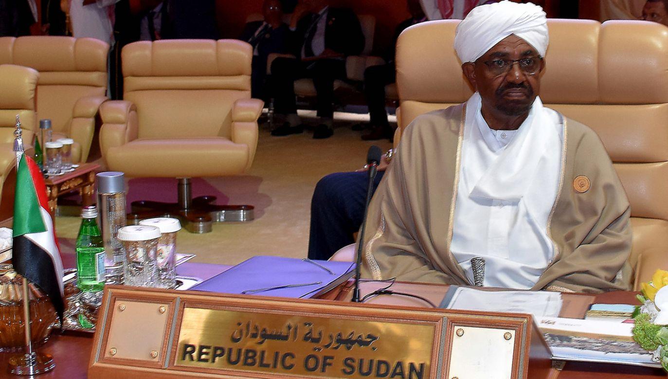 Prezydent Omar Baszir ogłasza stan wyjątkowy w Sudanie (fot. PAP/EPA/STR)