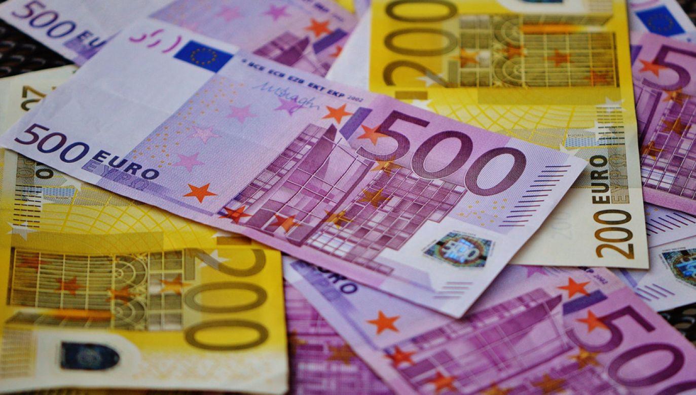 We wrześniu resort finansów spłacił zobowiązania o wartości 595,9 mln euro (fot. Pixabay)