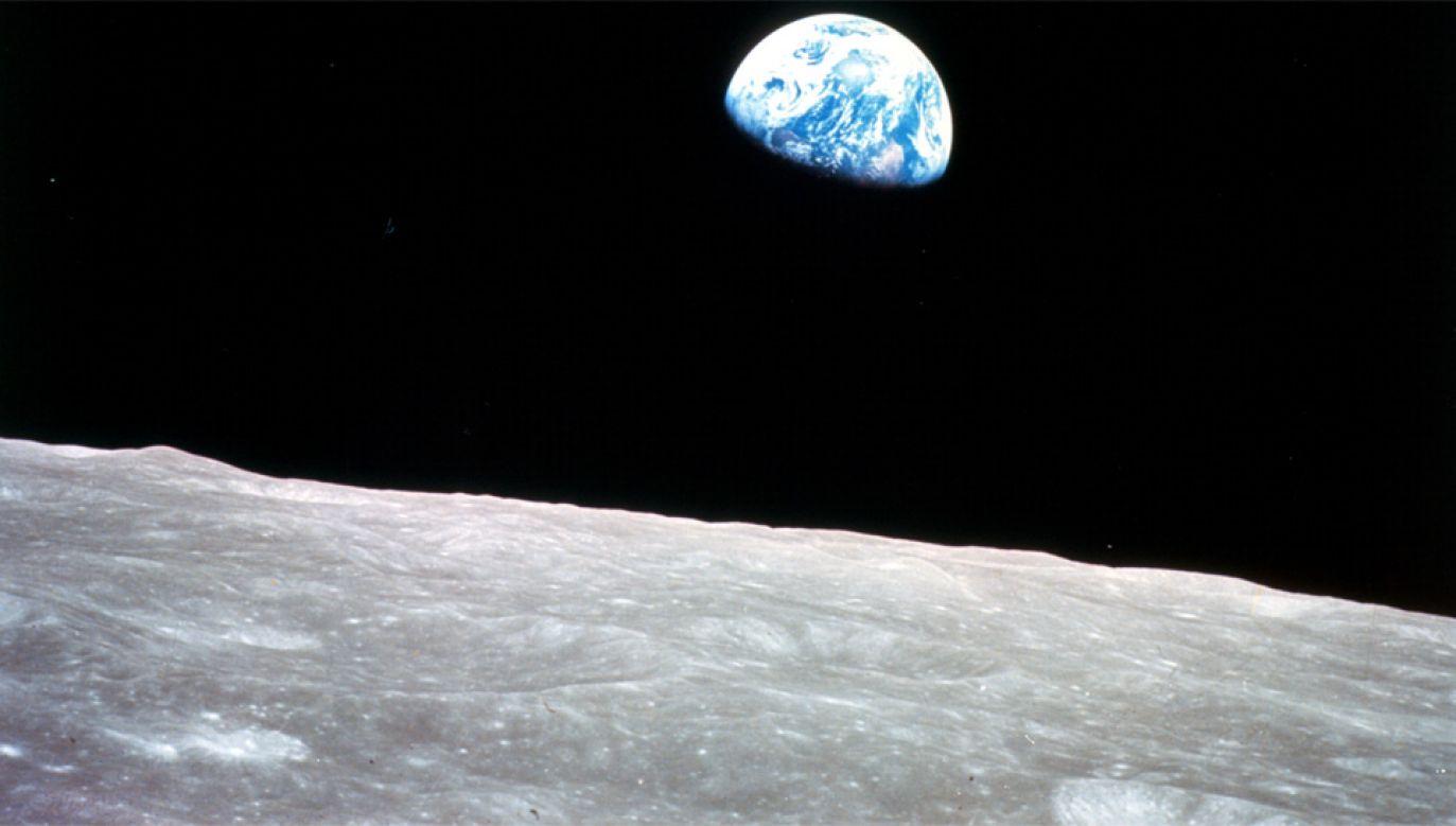 W pobliżu Księżyca wodorowa otoczka ma niewielką gęstość (fot. NASA)