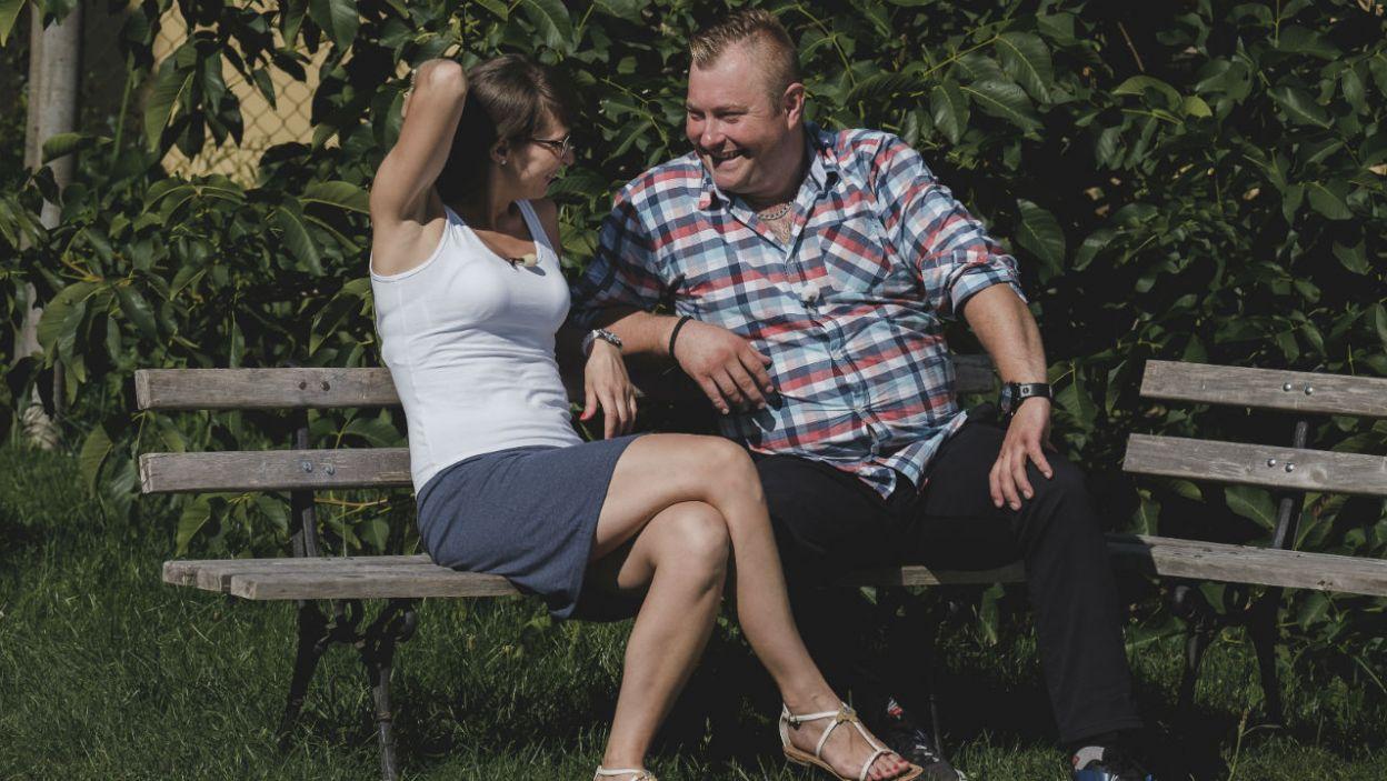 – Tylko tyle mi wystarczy do szczęścia – Łukasz cieszy się z obecności Agaty (fot. TVP)