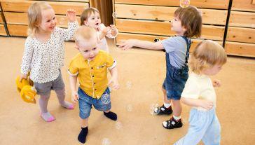 Projekt przedszkola i żłobka zakłada budowę nowoczesnego kompleksu przyjaznego dzieciom (fot. Shutterstock/Andrey_Kuzmin, zdjęcie ilustracyjne)