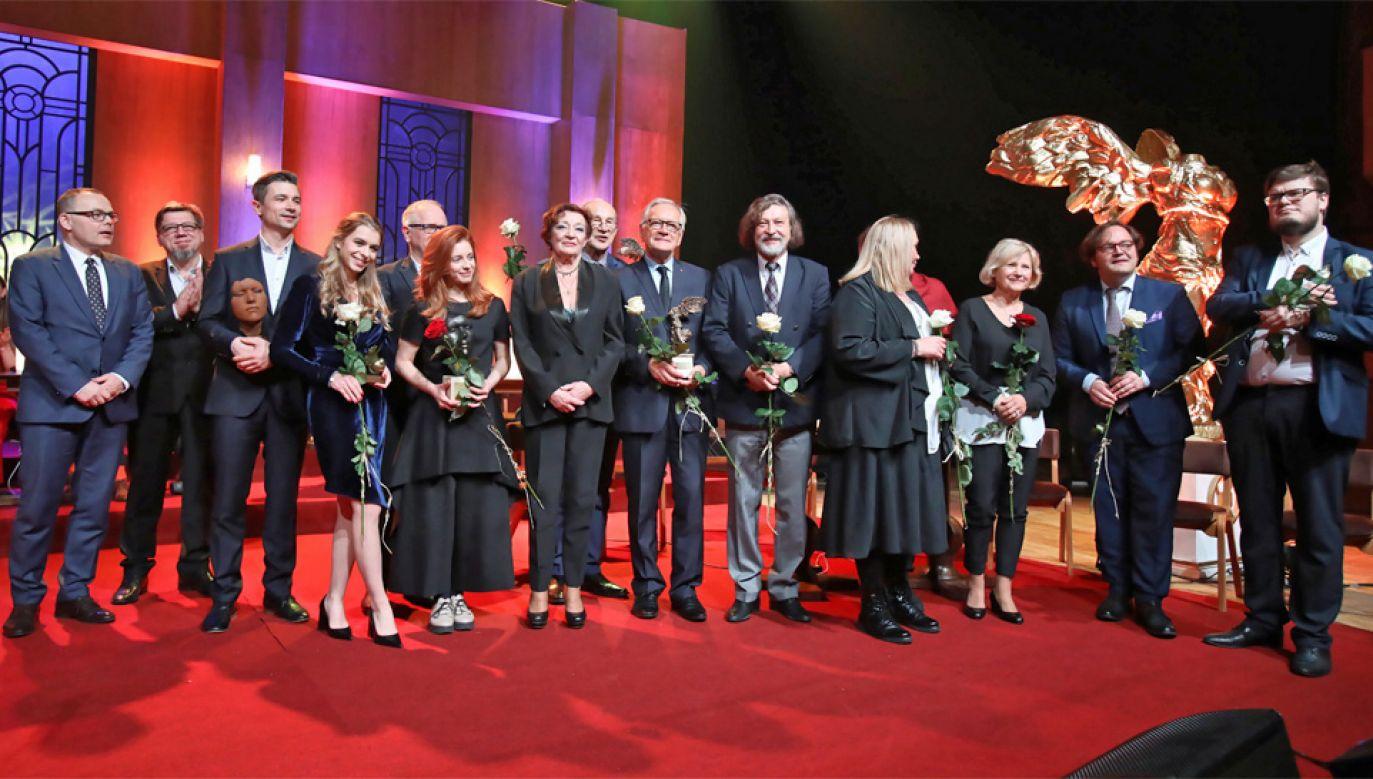 Laureaci tegorocznych Splendorów (fot. PAP/Leszek Szymański)