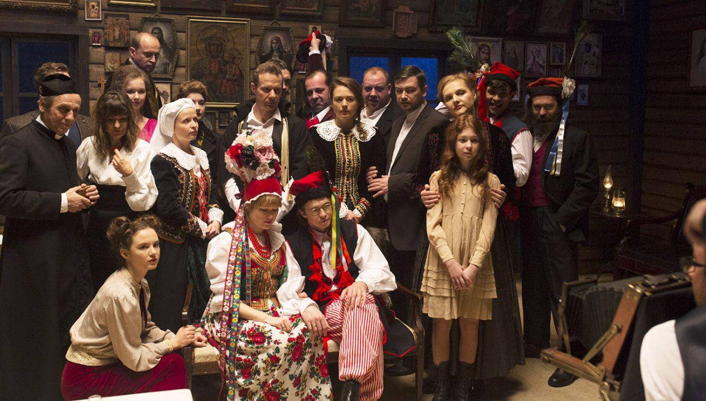 """Sto lat po odzyskaniu niepodległości Teatr Telewizji pokaże """"Wesele"""" Stanisława Wyspiańskiego (fot. TVP)"""