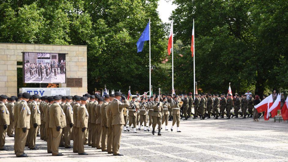 Wojewódzkie Obchody Święta Wojska Polskiego (29)