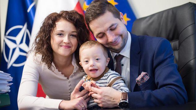 Anna Jaki z mężem i synkiem Radkiem (fot. FB/Patryk Jaki)