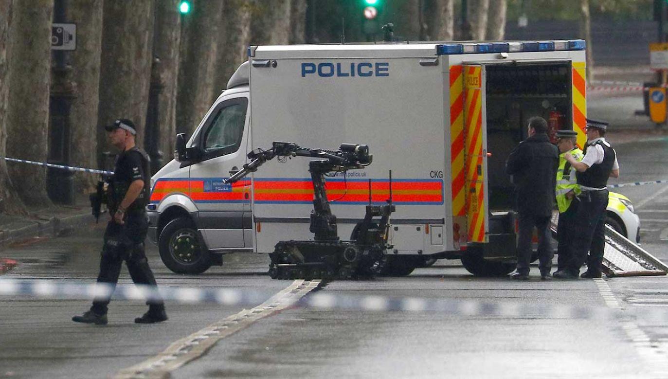 Prowizoryczne bomby poddano badaniom kryminalistycznym  (fot. REUTERS/Hannah McKay)