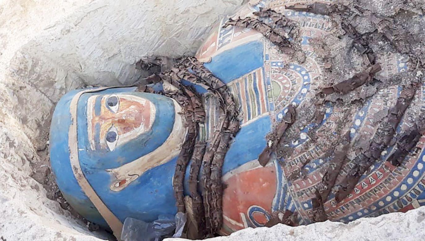 Sarkofagi znaleziono na starożytnym cmentarzysku El-Assasif na zachodnim brzegu Nilu (fot. PAP/ EPA/MINISTRY OF ANTIQUITIES HANDOUT)