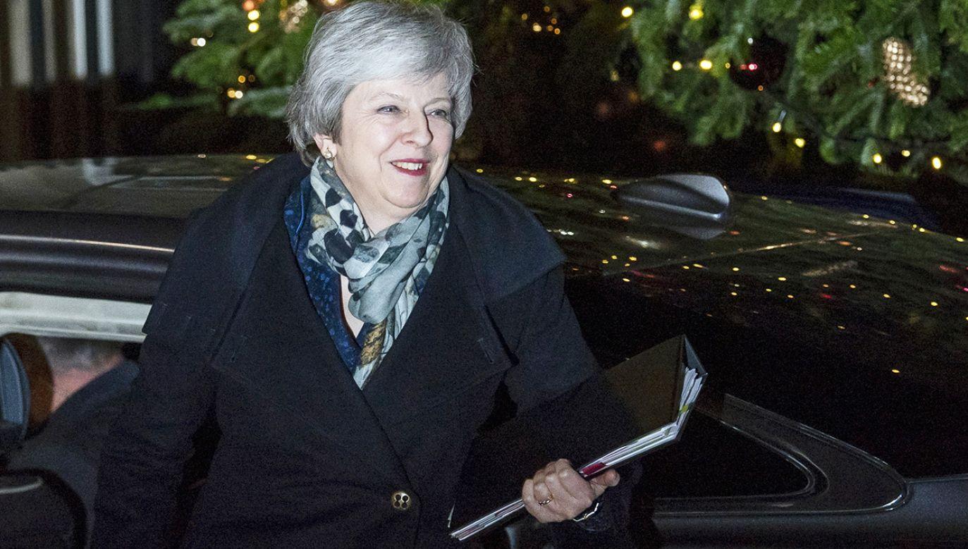 Theresa May pozostanie na swoim stanowisku (fot. PAP/EPA/WILL OLIVER)