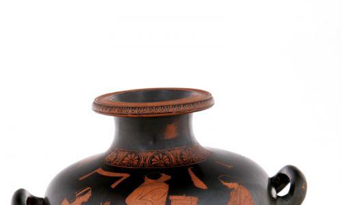 Hydria ze sceną rodzajową we wnętrzu, malarz Eupolisa, Ateny ok. 450 p.n.e. Fot. Muzeum Narodowe w Poznaniu
