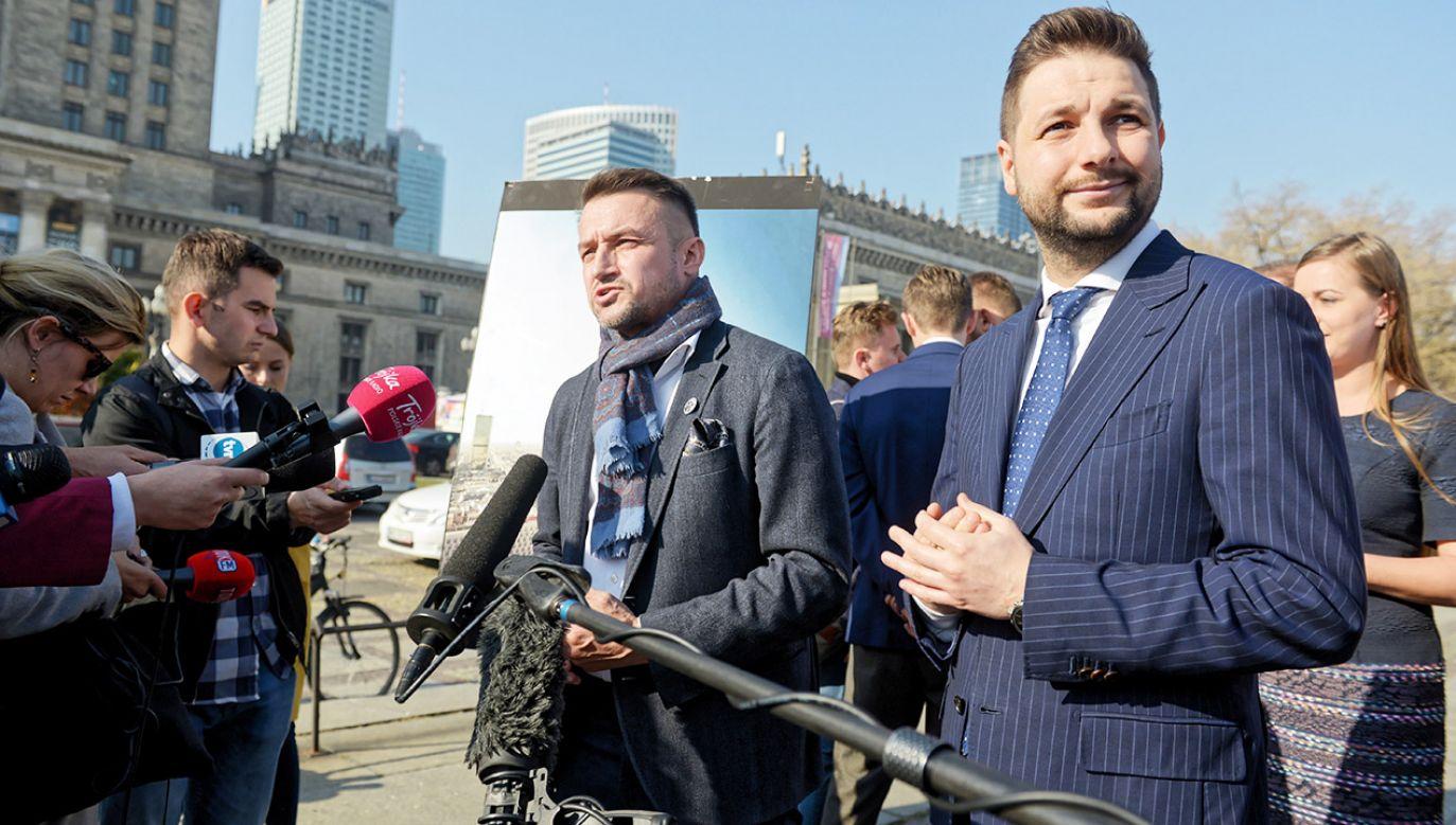 """""""Pierwszy impuls Warszawy"""" ma powstać na Placu Defilad, który ma stanowić """"symbol nieudolności PO"""" (fot. PAP/Jakub Kamiński)"""