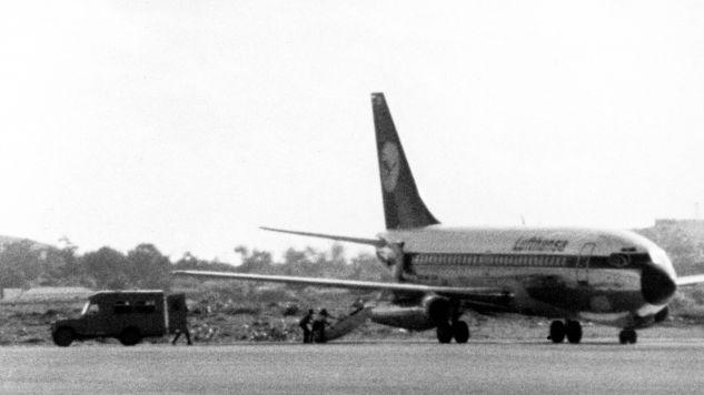 """13 października 1977 czworo powiązanych z RAF terrorystów porwało Boeinga 737 """"Landshut"""" (fot. PAP/DPA)"""