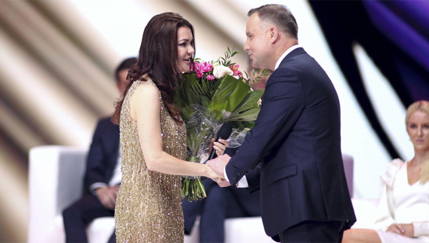 Agnieszka Radwańska i prezydent Andrzej Duda (fot. PAP/Łukasz Gągulski)