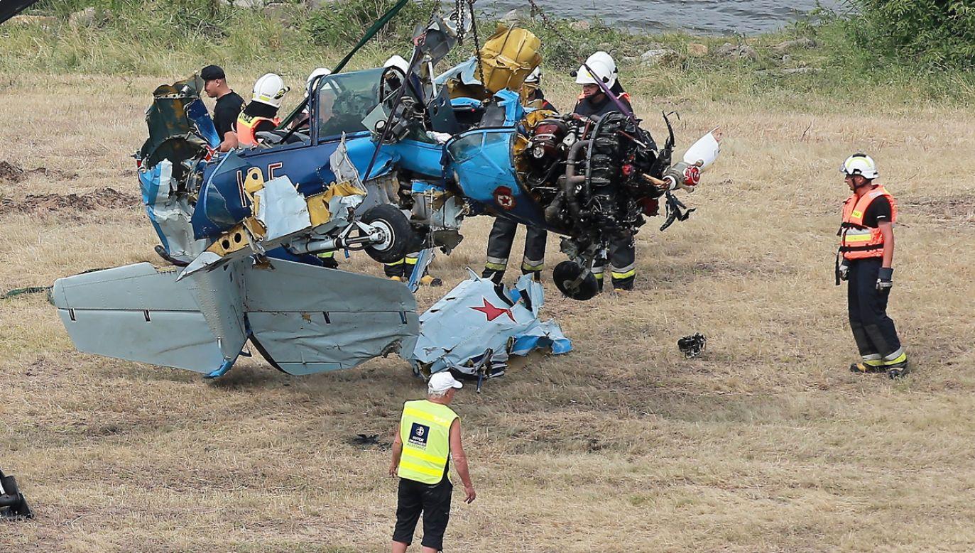 Pilot z Niemiec podczas wykonywania akrobacji spadł do Wisły (fot. PAP/Piotr Augustyniak)