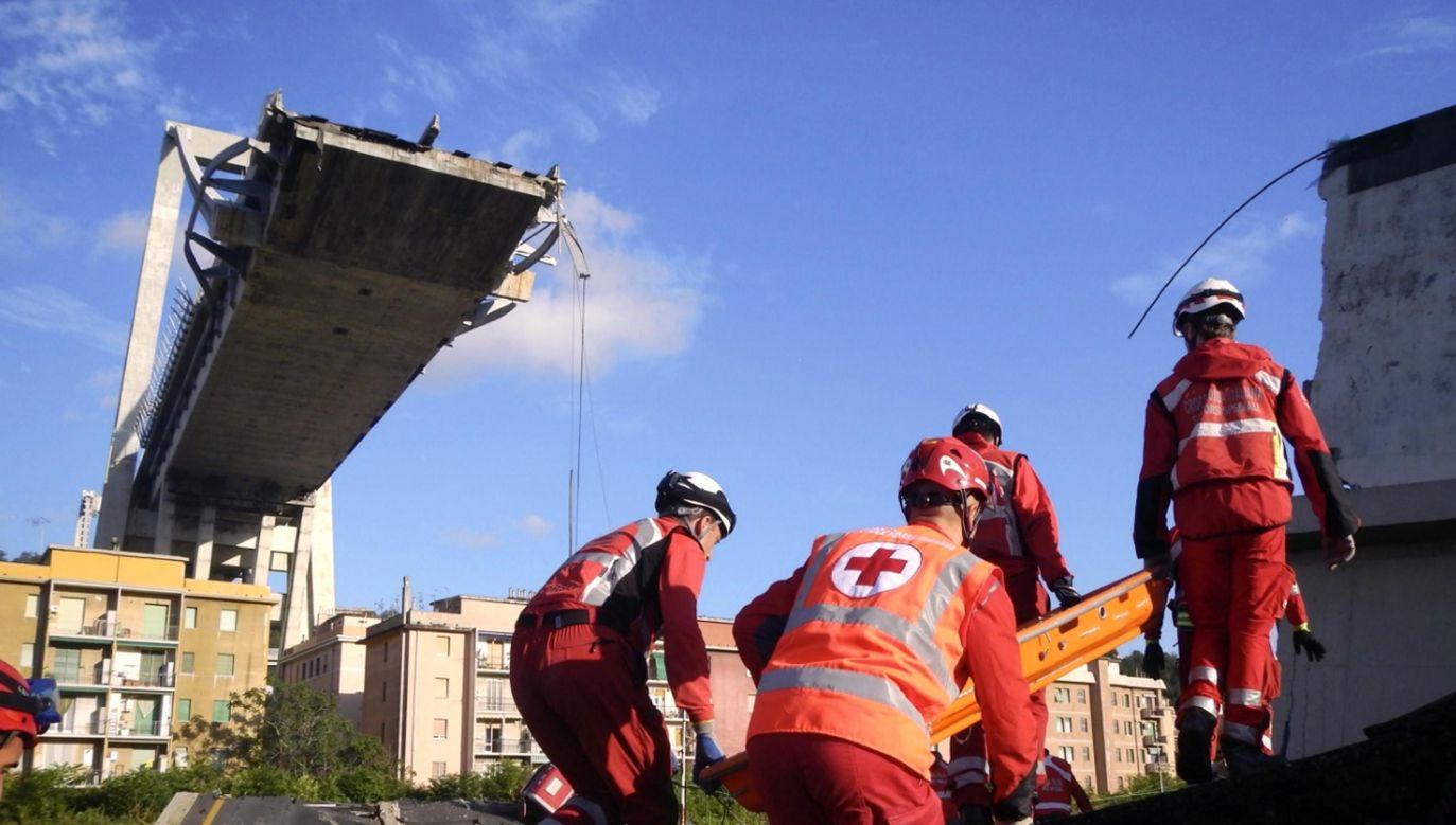 Bilans ofiar katastrofy wiaduktu w Genui wzrósł do 41 (fot. PAP/EPA/Italian Red Cross Press Office HANDOUT)