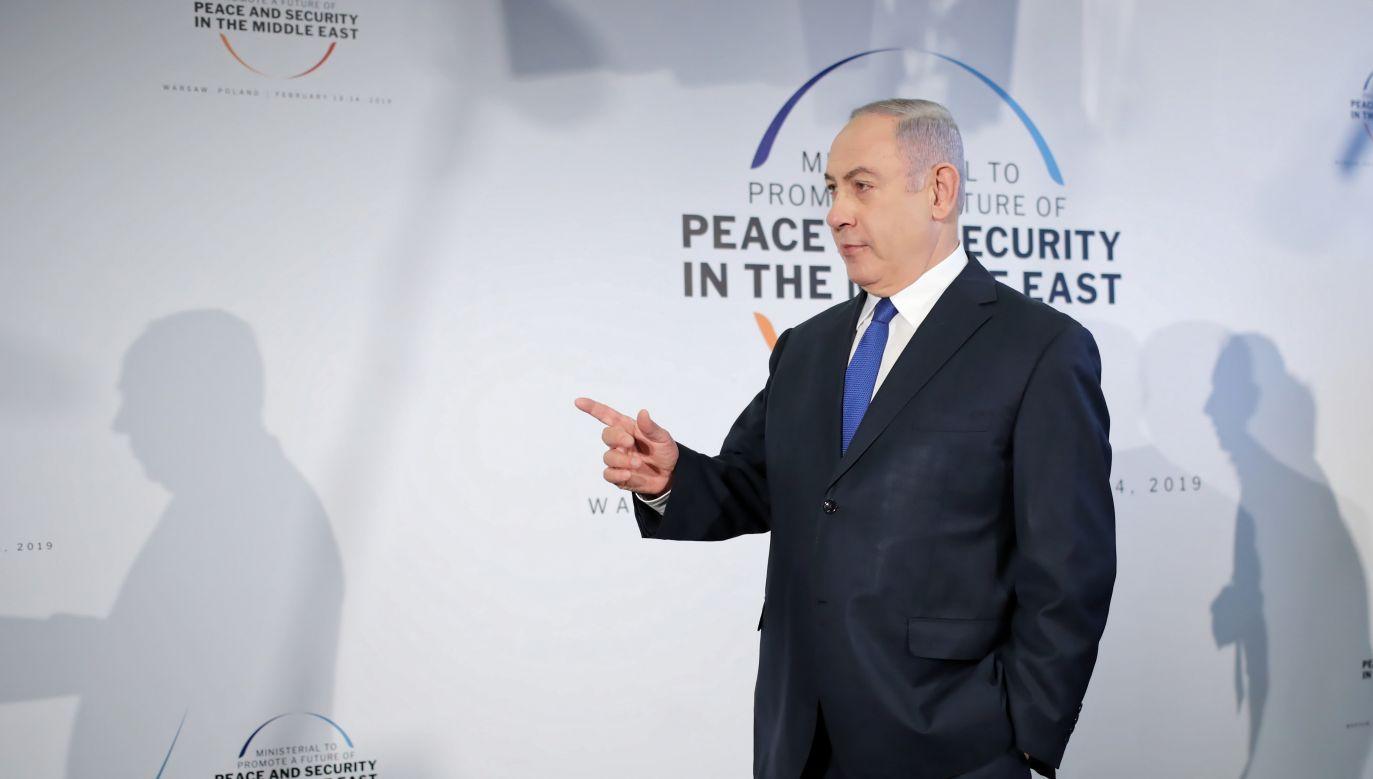 Premier Izraela Benjamin Netanjahu po przyjeździe na PGE Narodowy w Warszawie (fot. PAP/Leszek Szymański)