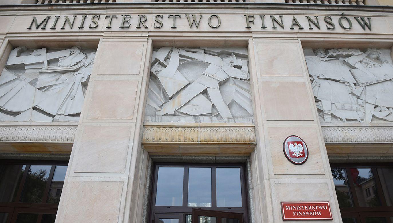W ostatnich latach obniżył się m.in. udział długu w walutach obcych (fot. arch. PAP/Radek Pietruszka)