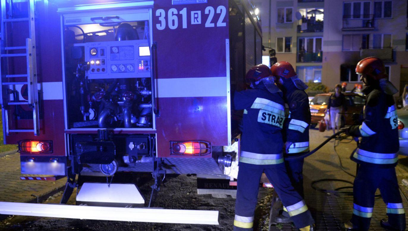 Z kamienicy ewakuowano cztery osoby, w tym 14-letnie dziecko (fot.PAP/Darek Delmanowicz/ zdjęcie ilustracyjne)