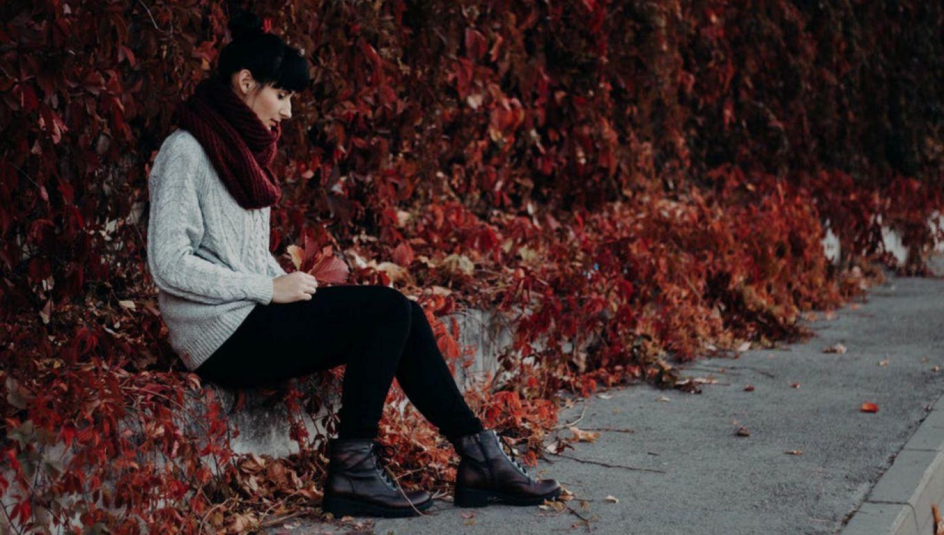 Na samotność przez większość czasu skarży się nawet co piąty Brytyjczyk (fot. Pexels/Kristina Paukshtite)