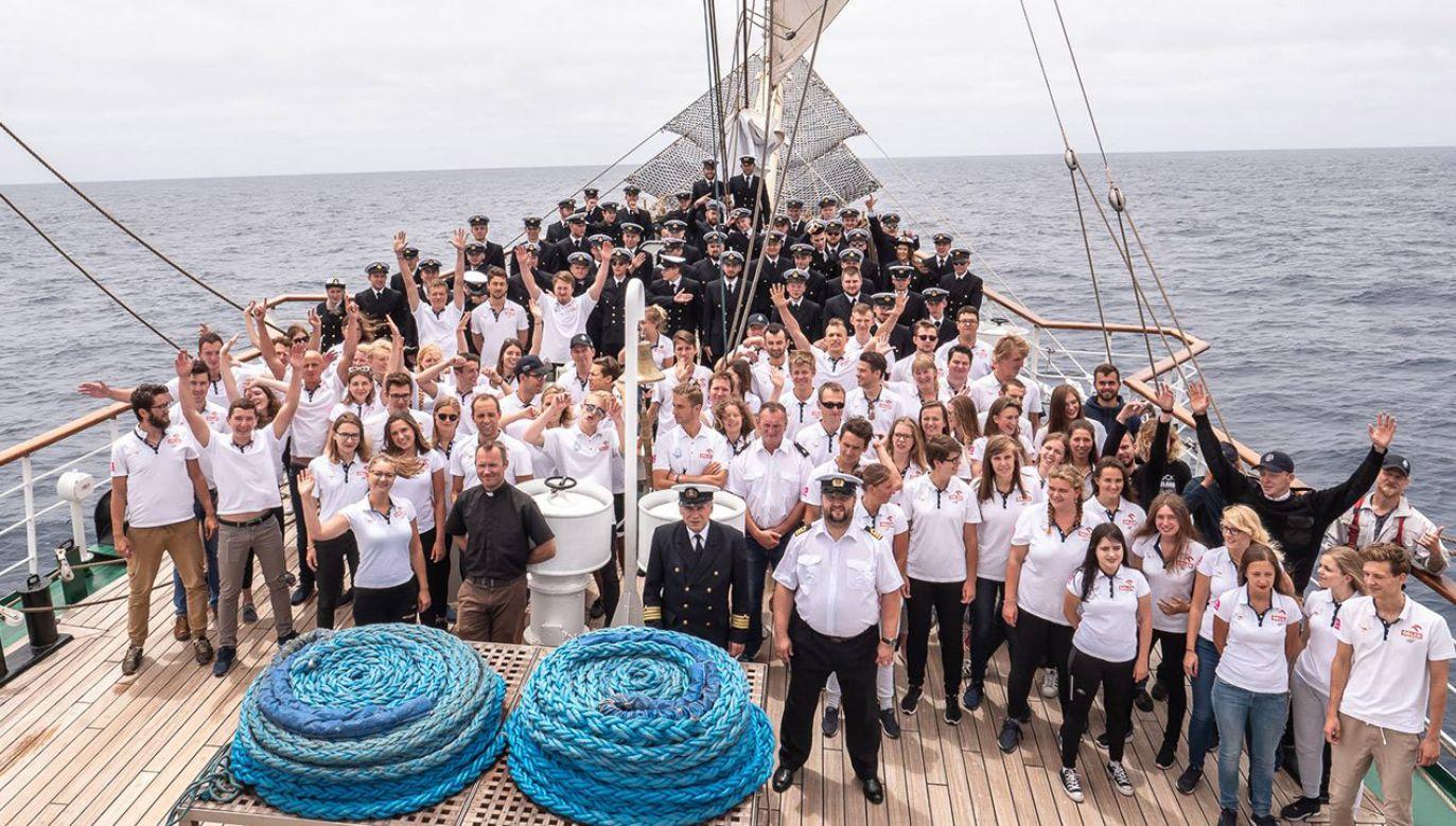Dar Młodzieży zawinie do portu w Kapsztadzie (fot. Piotr Lewandowski/Akademia Morska w Gdyni)