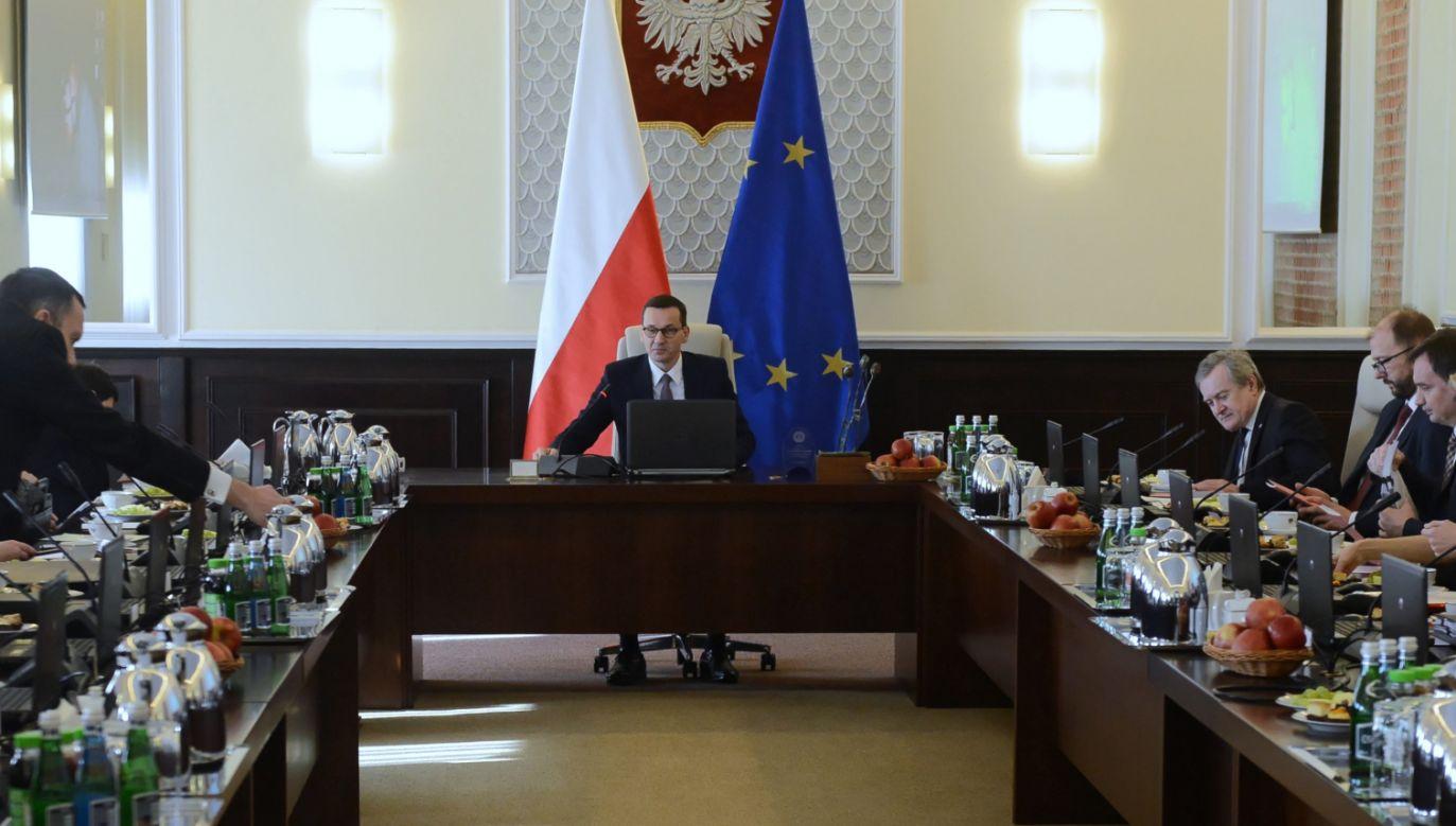W lutym 46 proc. badanych było zadowolonych z tego, że na czele rządu stoi Mateusz Morawiecki (fot. PAP/Jakub Kamiński)