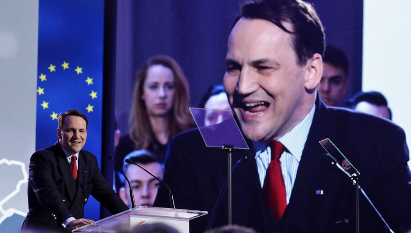 Radosław Sikorski bronił swojej kontrowersyjnej wypowiedzi (fot. arch.PAP/Tomasz Gzell)