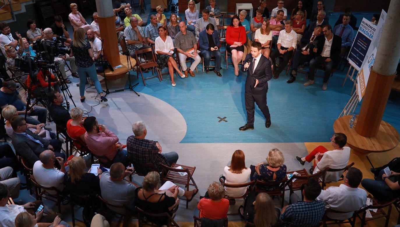 Kandydat Koalicji Obywatelskiej walczy o fotel prezydenta Warszawy (fot. arch. PAP/Leszek Szymański)