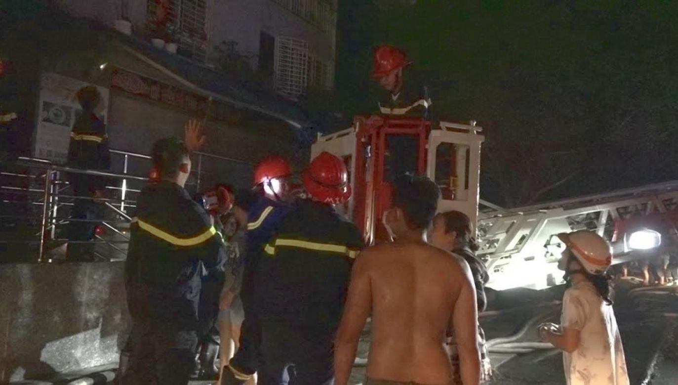 Pożar wybuchł nocą w podziemnym garażu (fot. PAP/EPA/STR)