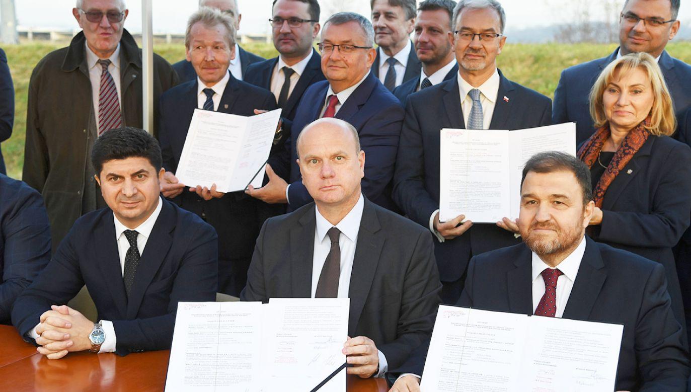 Wartość kontraktu wynosi blisko 1,43 mld zł (fot. PAP/Jacek Bednarczyk)