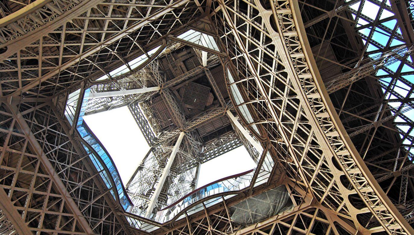 Wieża Eiffla jest najsłynniejszą atrakcją Paryża (fot. Shutterstock/Franco Volpato)