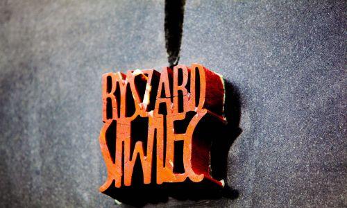 Czechy, 20 sierpnia 2010 r. Odsłonięcie pomnika poświęconego pamięci Ryszarda Siwieca w Pradze, przed Instytutem Studiów Reżimów Totalitarnych. Fot. PAP/CTK Photo / Martin Sterba