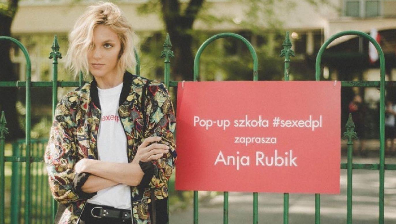 Polish model promoting her new pop-up classes, Warsaw, Poland. Photo: IG/Anja Rubik