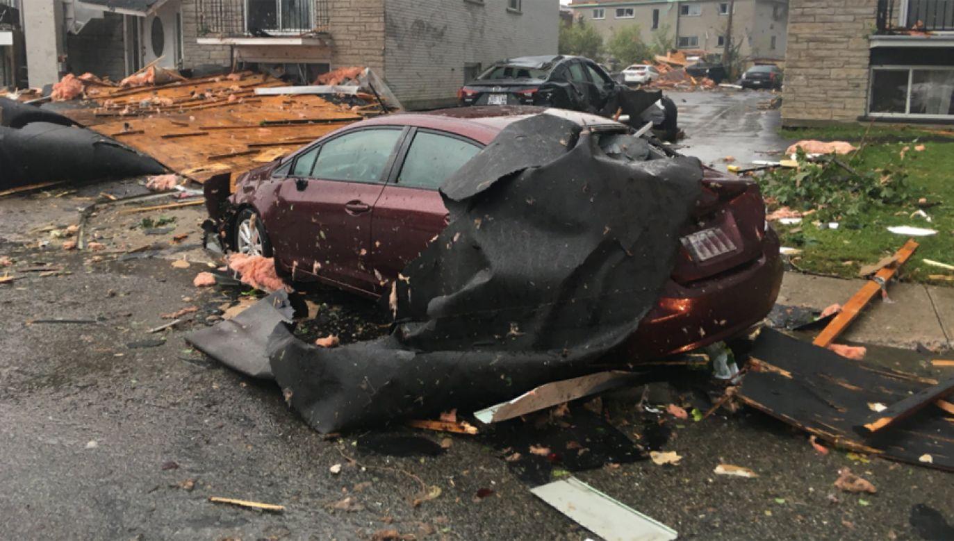 Wiatr zniszczył tam dziesiątki domów, uszkodzone zostały setki samochodów (fot. Twitter/phldenault)