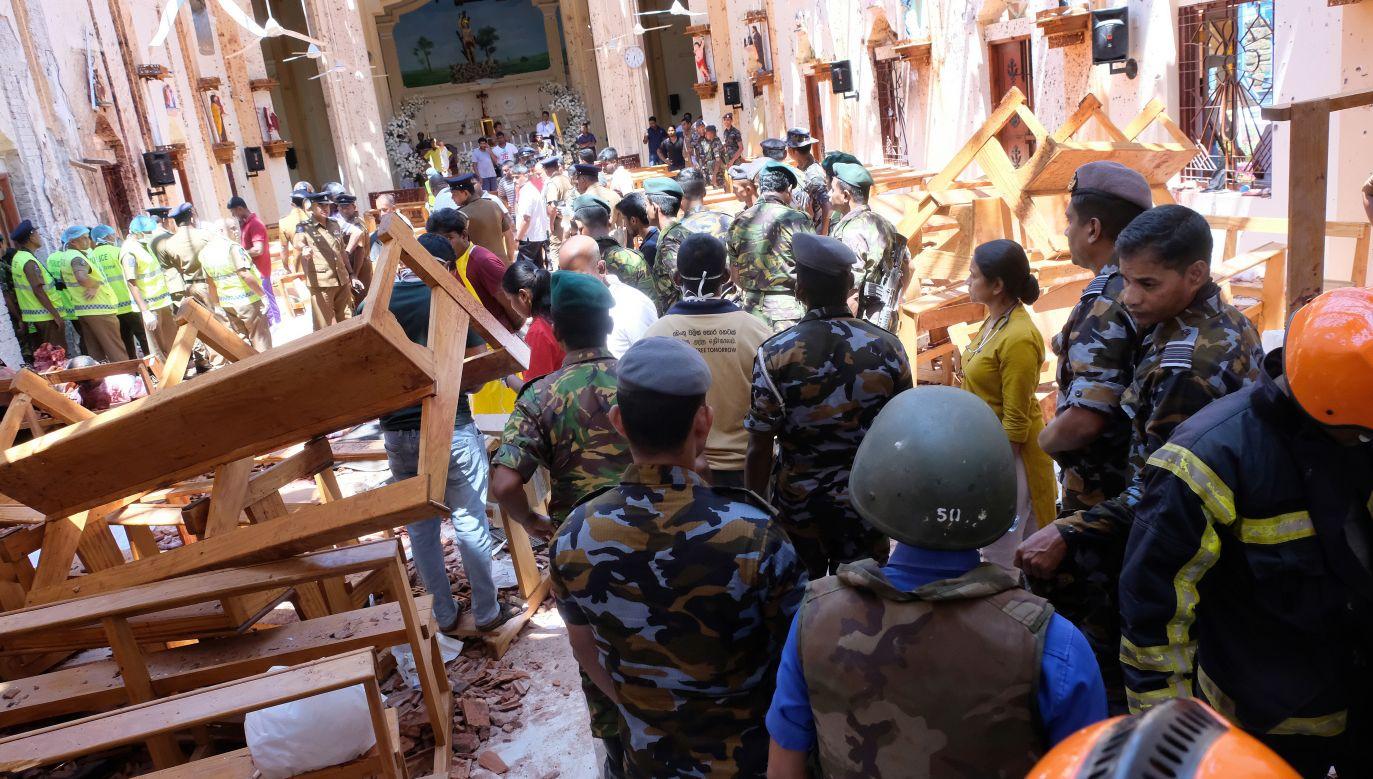 Do pierwszych sześciu eksplozji doszło w niedzielę rano w przeciągu 30 minut w trzech kościołach w Kolombo (fot.PAP/EPA/STR)