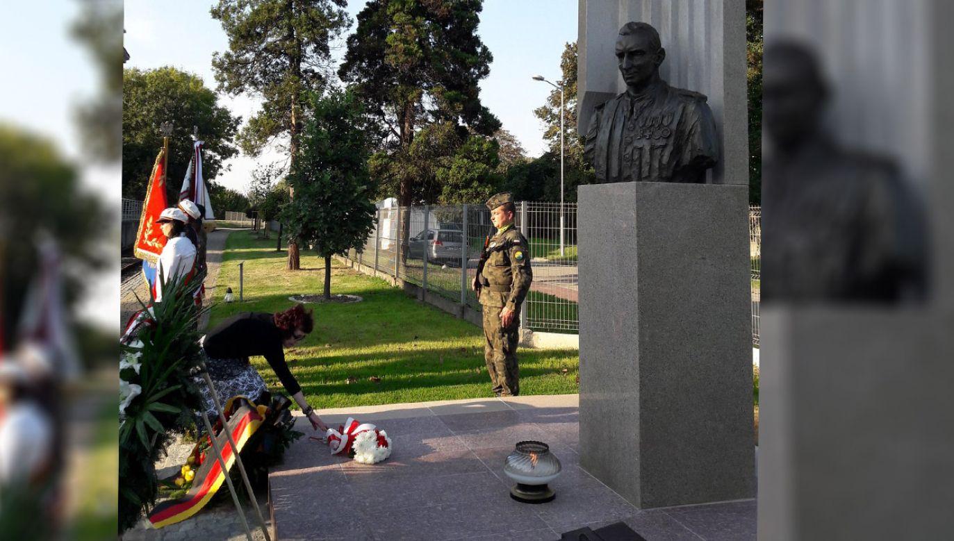 Pomnik rtm. Witolda Pileckiego w Oświęcimiu (fot. tt/@m_szafranski)