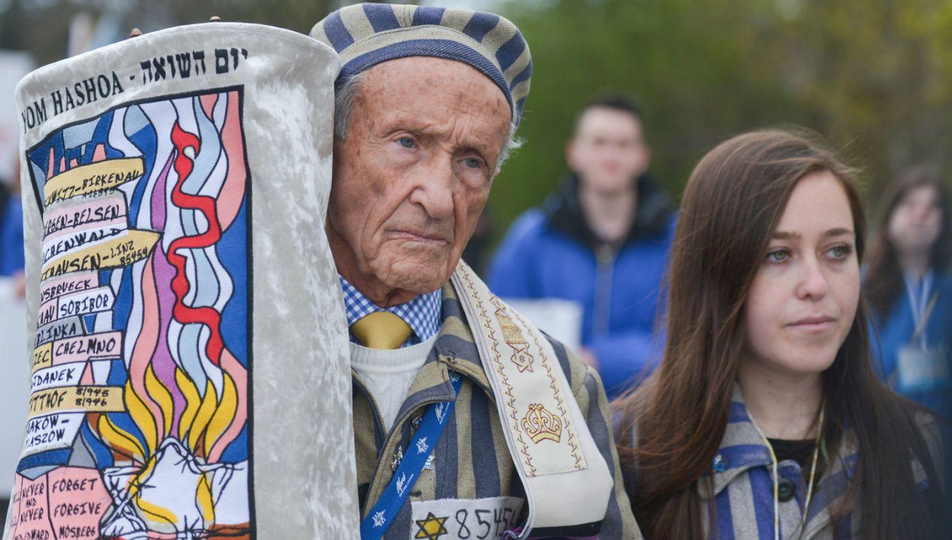 """Edward Mosberg – Żyd ocalały z Holokaustu mówił, że nie było polskich obozów zagłady ani polskiego Holocaustu, podczas """"Marszu Żywych"""" (fot. Artur Widak/NurPhoto via Getty Images)"""