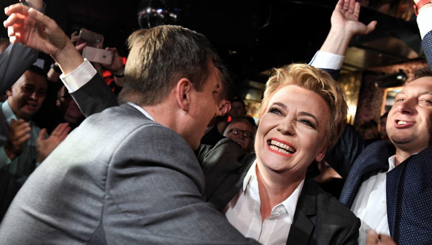 Prezydent Łodzi Hanna Zdanowska podczas wieczoru wyborczego w Łodzi (fot. PAP/Grzegorz Michałowski)