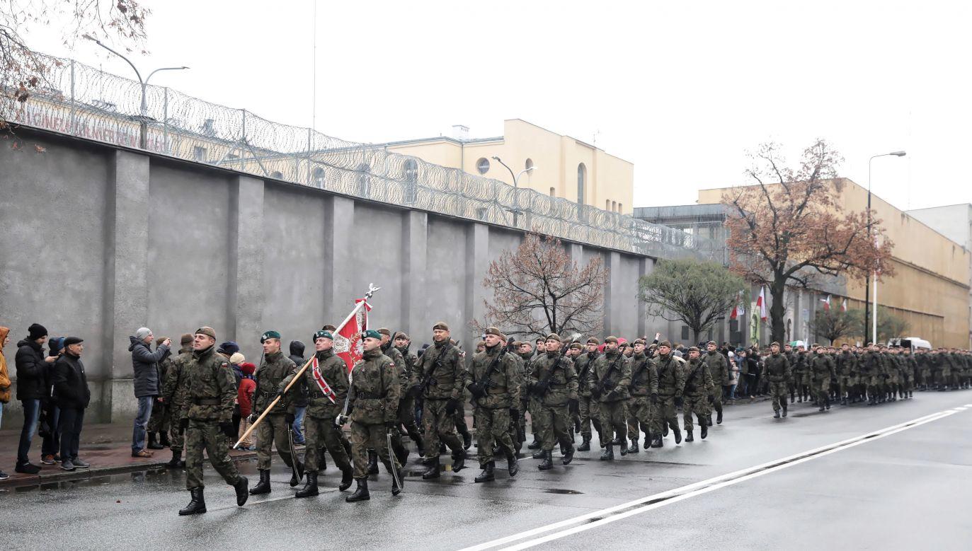 Żołnierze złożyli przysięgę w miejscu kaźni rtm. Pileckiego w areszcie śledczym na Mokotowie w stolicy (fot. PAP/Tomasz Gzell)
