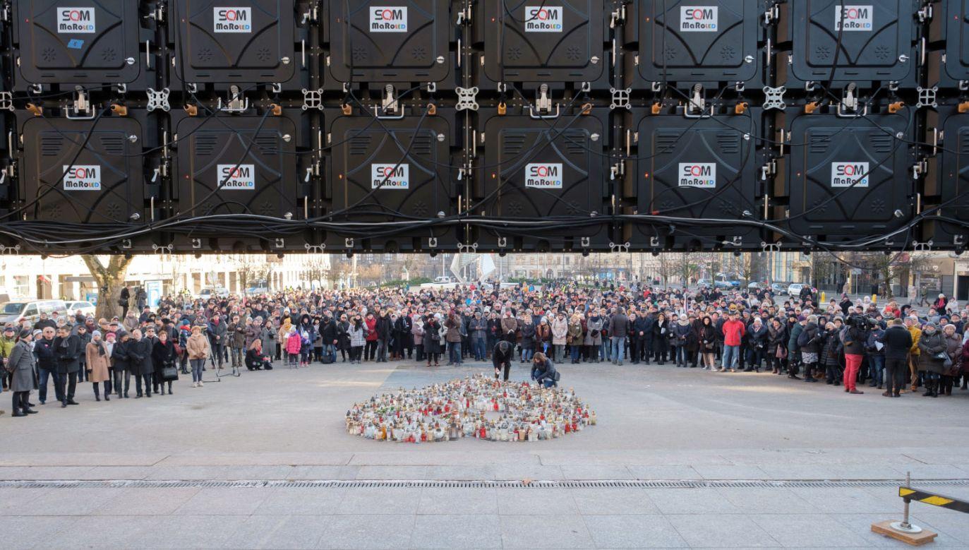 Rzecznik KEP podziękował mediom za relacjonowanie pogrzebu Pawła Adamowicza i wydarzeń go poprzedzających w czasie żałoby narodowej (fot. PAP/Jakub Kaczmarczyk)