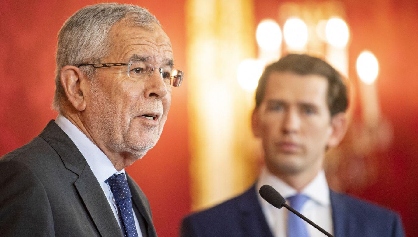 Prezydent Austrii Alexander Van der Bellen spotkał się z kanclerzem Sebastianem Kurzem w sprawie kryzysu w rządzącej koalicji (fot. PAP/EPA/CHRISTIAN BRUNA)