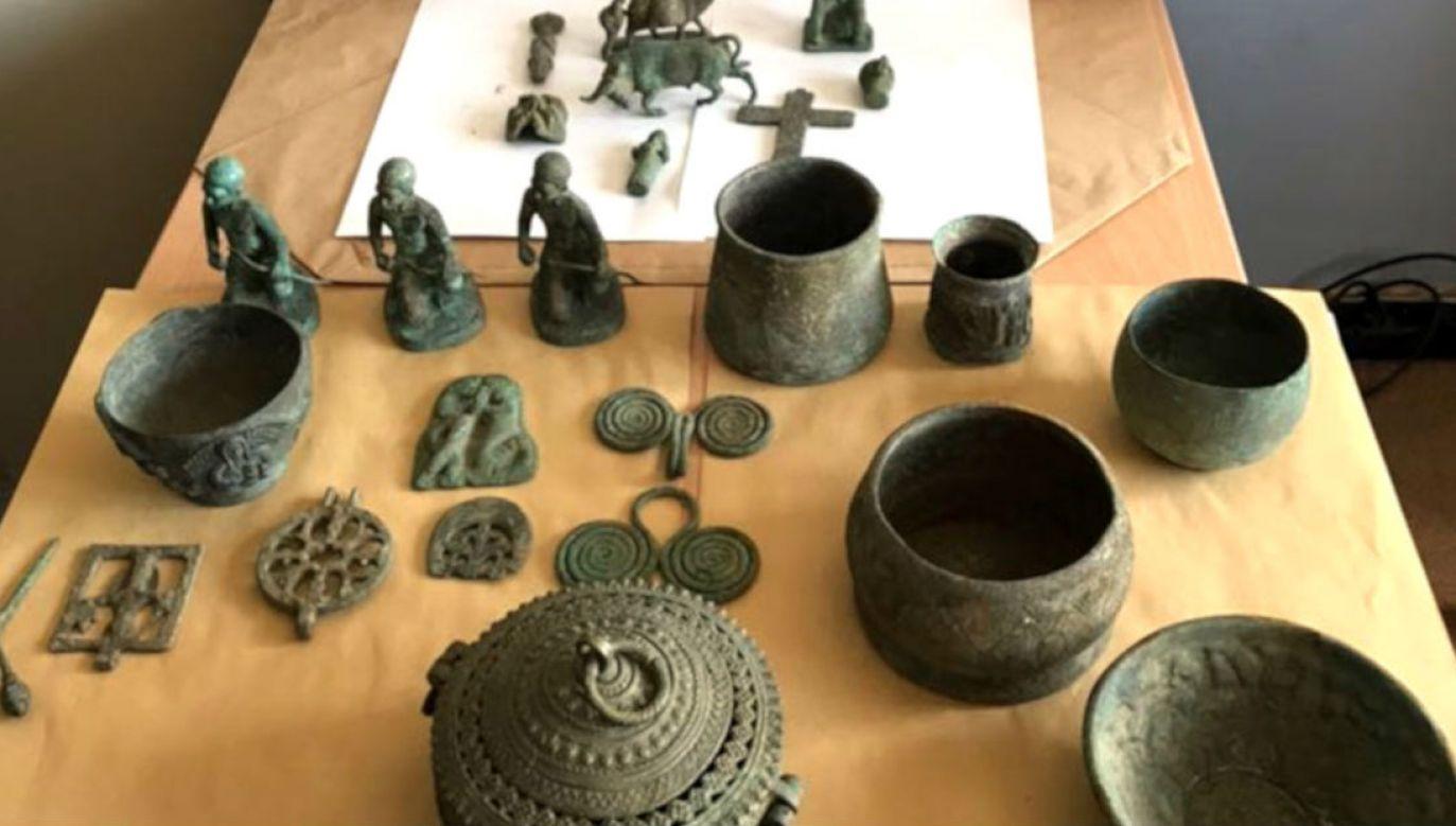 Artefakty zabezpieczone przez policjantów (fot. CBSP)