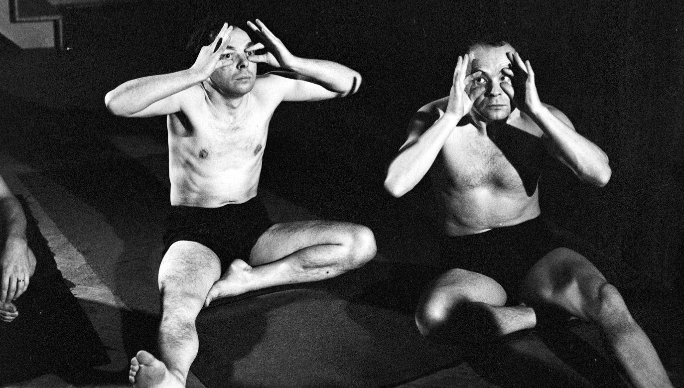 """Próba spektaklu """" Książę Niezłomny"""", w reżyserii Jerzego Grotowskiego. Teatr Laboratorium, Wrocław 1965 r. Fot. meg PAP/Marek Czudowski"""