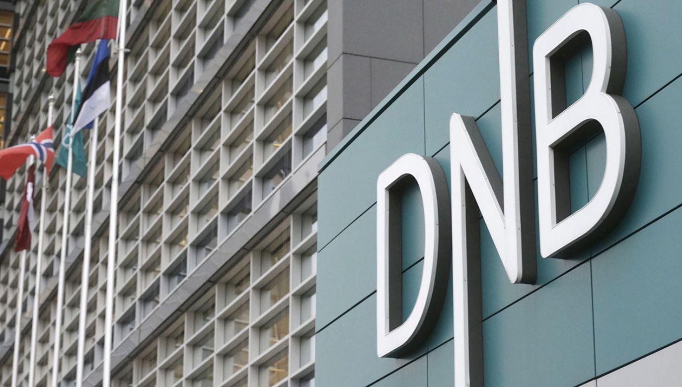 """""""DNB zobowiązał się do zrekompensowania strat byłym i obecnym klientom"""" (fot. REUTERS/Ints Kalnins/File Photo)"""