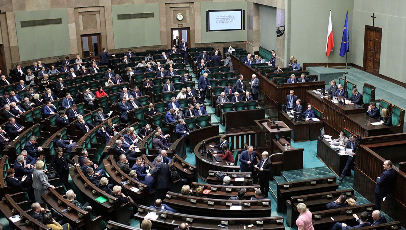 Politycy coraz częściej stają się adresatami gróźb. Sprawcy tłumaczą się nerwami lub dowcipem (fot. PAP/Radek Pietruszka)