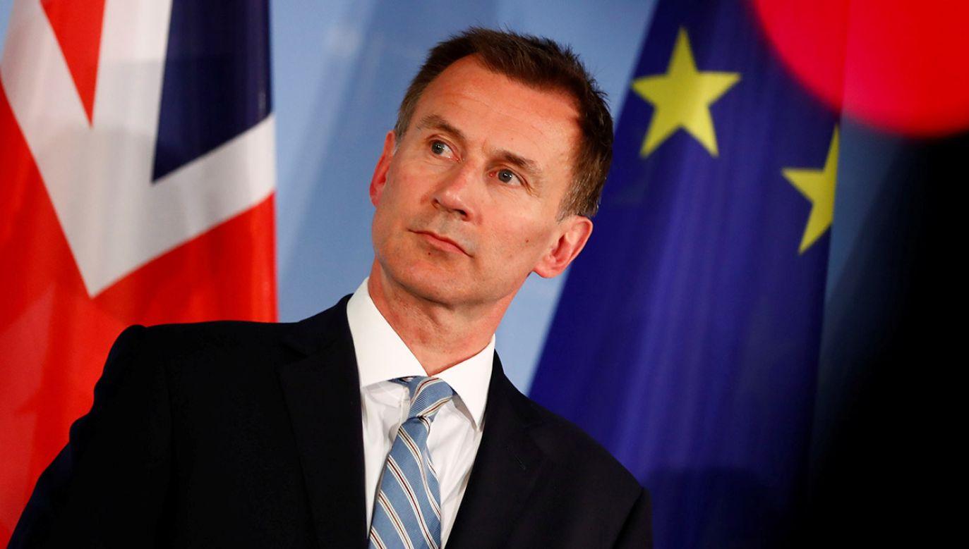 Szef brytyjskiego MSZ Jeremy Hunt (fot. REUTERS/Fabrizio Bensch)