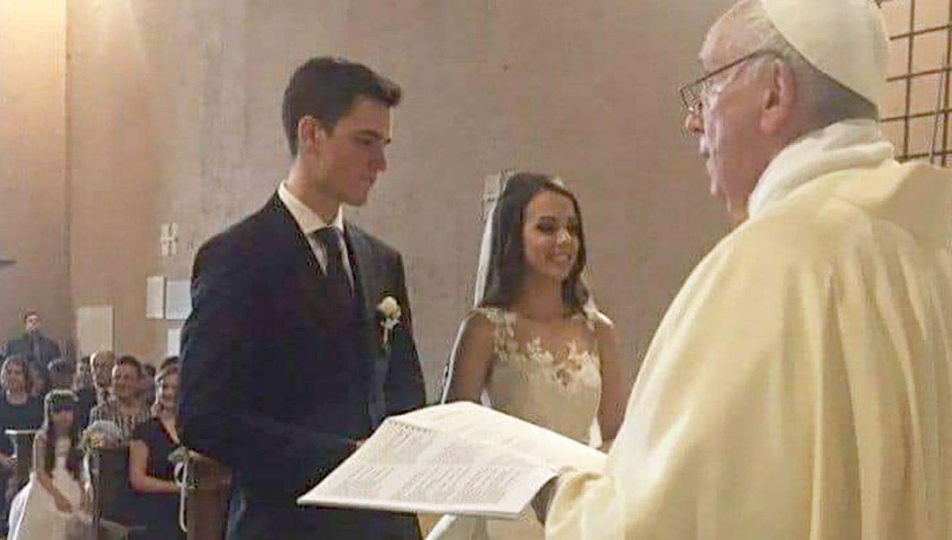 Sam papież celebrował ślub swojego gwardzisty i jego brazylijskiej wybranki (fot. FB/Católico com muito Orgulho)